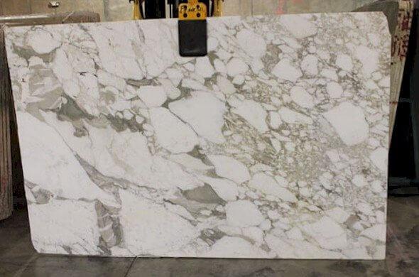 calacutta-vagli-marble-slabs